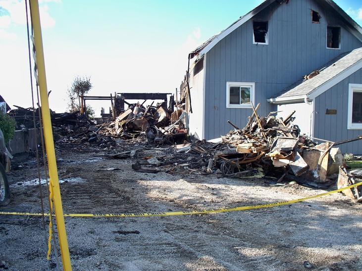 House fire-004-2-.jpg
