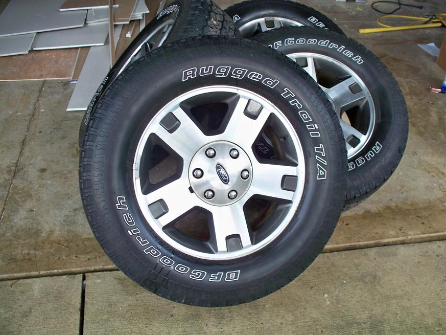 2005 Ford FX-4 wheels and tires-006.jpg