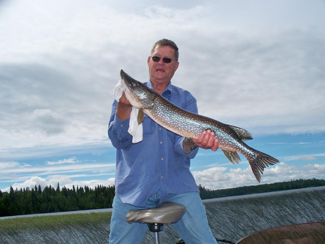here is a couple of pike pictures-100_0822.jpg