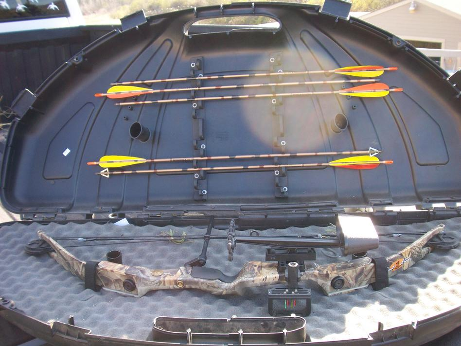 Complete Bow Setup For Sale. Fred Bear. great starter setup-100_5892.jpg