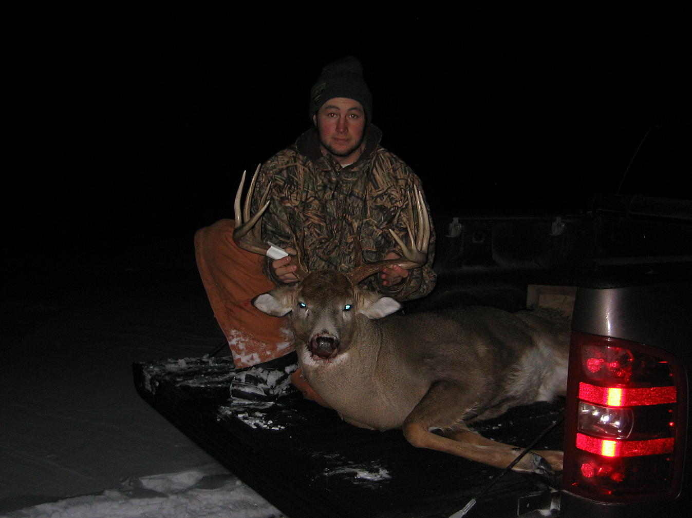 iowa buck-deer5.jpg